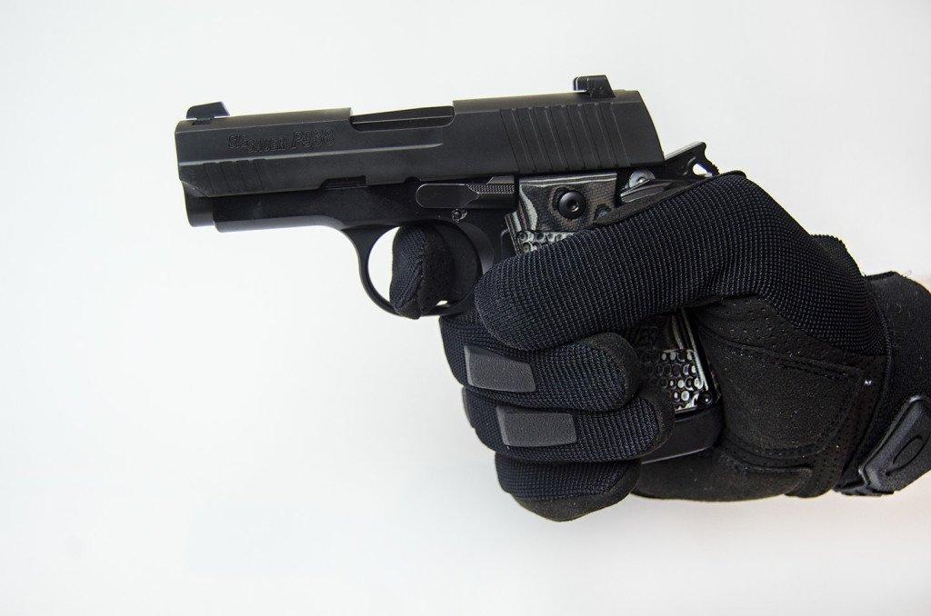 5cd8b8aadae Oakley Lightweight Fr Glove Review